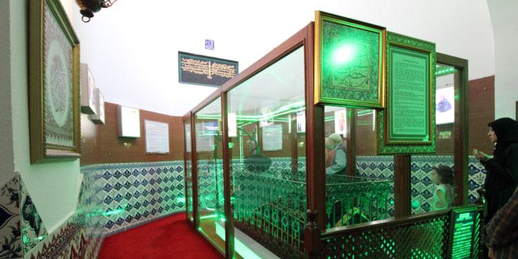 Karaköy Yeraltı Cami (Kurşunlu Mahzen) ve içinde yatan Peygamber Dostları sahabeler