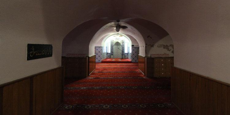 Karaköy Kurşunlu Mahzen (Yeraltı) Camii